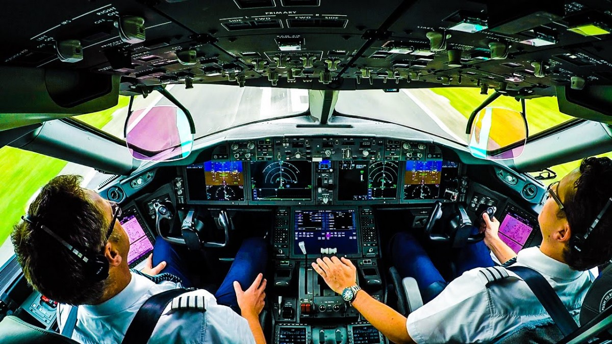 パイロットの養成