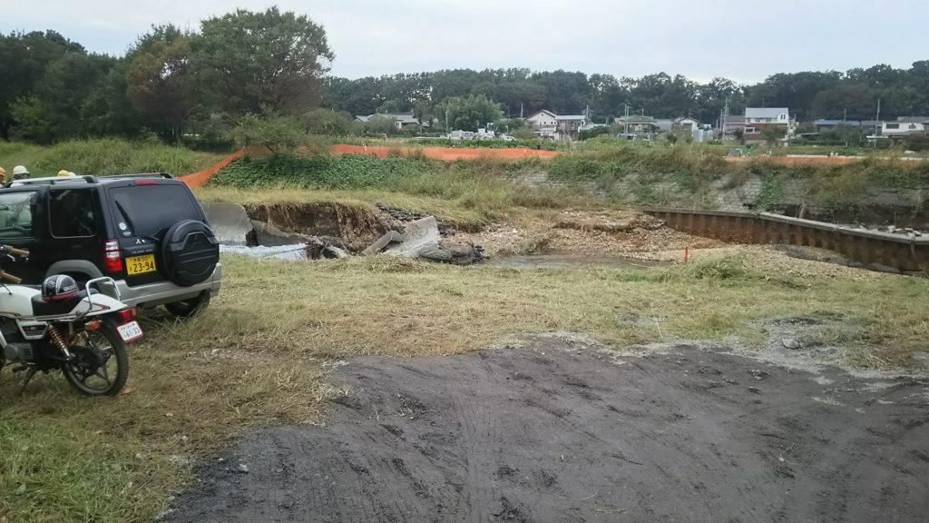 左岸の堤防の被害状況